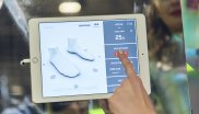 Digitization has also made its way into winter sports, such as in the case of boot fittings via touch screen.