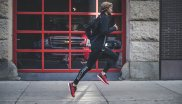 Trend 3, Influencer motivation: Running has long since arrived in the social media. Brands have discovered influencers such as bloggers and athletes. With its #runyourworld campaign, Saucony, for example, uses bloggers that bring users closer to the most beautiful corners of various metropolises in posts, pictures and blog entries and thus encourage them to jog.