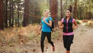 Running in nature can be enjoyed by everyone. Some experts even claim that women have a certain advantage in trail running thanks to their physique.