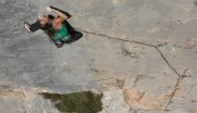 Whether climbing or bouldering: Barbara Zangerl convinces at the rock.