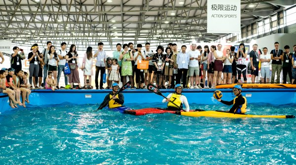 Participants in a pool at ISPO Shanghai in the segment Action Sports