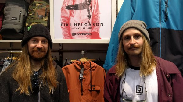 Snowboarding brothers Eiki (left) and Halldór Helgason at the ISPO Munich 2018.