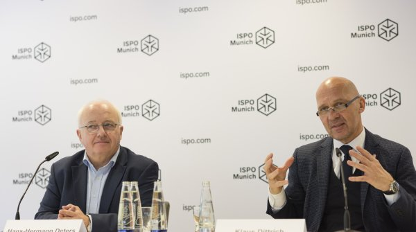 Hans-Hermann Deter, Managing Director of Sport 2000 (left) and Klaus Dittrich, Chairman of the Board of Management of Messe München GmbH