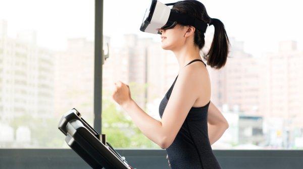 VR auf dem Laufband: Hier verschmelzen Innovation und Sport. Die EPSI möchte Innovationen in allen Bereichen des Sports auf EU-Ebene unterstützen