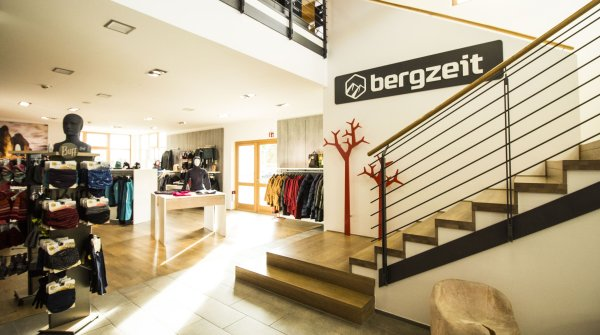 A view into the Bergzeit-Store in Gmund am Tegernsee.