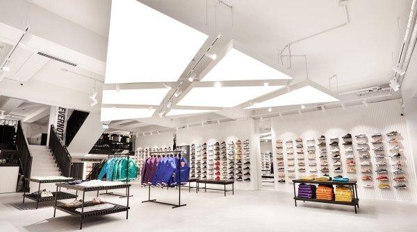 2018 eröffnete Kickz seinen neuen Store in Hamburg. Wenn neue Sneaker in den Laden kommen, campieren die Fans vor der Tür.