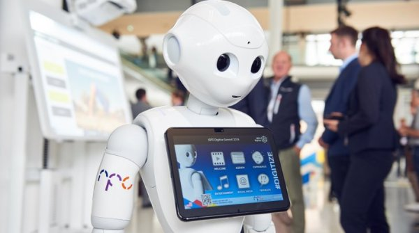 Pepper the Robot at ISPO Digitize Summit