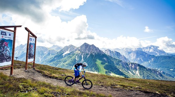 Bike-Fans kommen in den Alpen voll auf ihre Kosten.