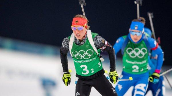 Laura Dahlmeier wird bei Olympia künftig auch vor Allianz-Werbebanden laufen.