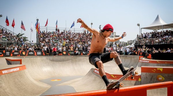 Heimana Reynolds from the USA is currently one of the world's best skateboarders.