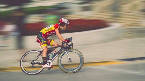 Auch Rennradfahrer profitieren von den Social-Media-Channels.
