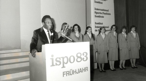 1983 Cup Winner was the exceptional Brazilian footballer Pelé (at the podium), who is described by many as the best player of all time. By the end of his football career in 1977, he had scored well over 1250 goals. In 1999, the International Olympic Committee (IOC) voted him the sportsman of the past century.