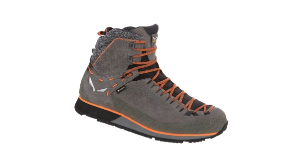 The Salewa Mountain Trainer 2 Winter GTX is the perfect companion for adventures in the snow