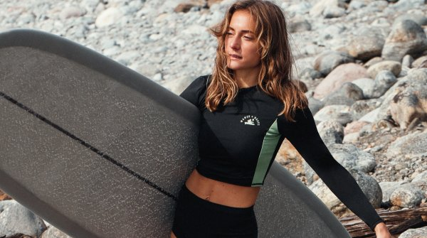 Women + Waves x H&M uses sustainably sourced fabrics.