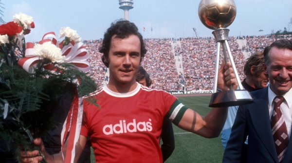 Franz Beckenbauer in 1976: In that year he became European Champion, European Cup Winner, Intercontinental Cup Winner and Footballer of the Year in Germany and Europe.