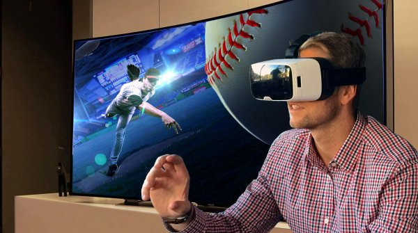 Catch the ball! VR gives you the feeling to be a direct part of the game.