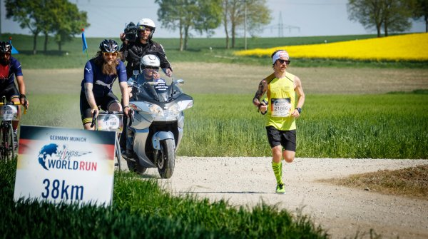 Florian Neuschwander beim Wings for Life World Run 2016 – er war Deutschlands Bester.