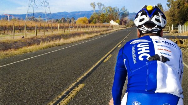 Safety on the road: these wearables help you on your bike ride.