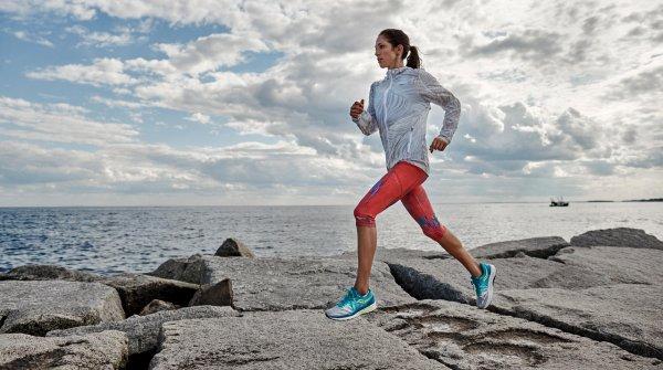 Training und Laufschuhe zu variieren, kann die Verletzungsgefahr reduzieren