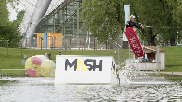 Dominik is the local hero at the wakeboarding contest at Munich Mash 2016.