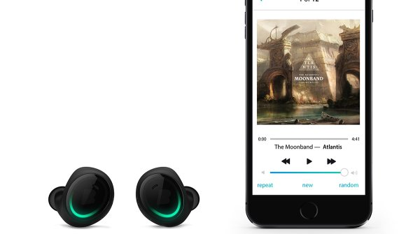 "The ""Dash"" earphones from Bragi can connect to your smartphone via Bluetooth"