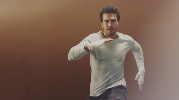 Elyas M'Barek stars in the latest advertising campaign for Asics.