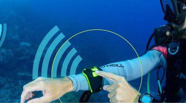 Buddy-Watcher helps with underwater communication using ultrasonic vibrations.