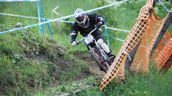 Downhill: Adrenalin-Touren mit dem Mountainbike
