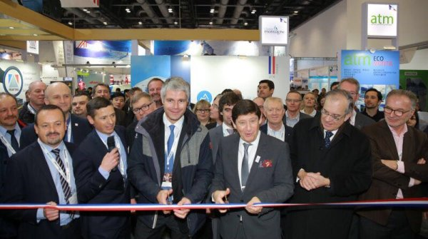 Patrick Kanner (3rd from right) opens the French Village at the ALPITEC in Beijing.