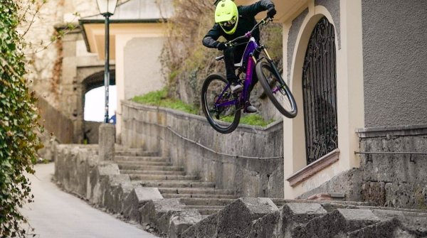 Street Trial is one of Fabio Wibmer's specialities.