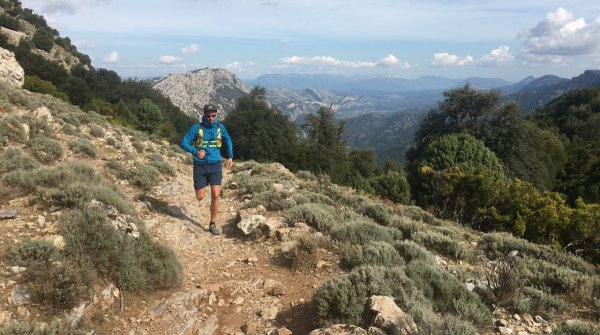 Denis Wischniewski is the editor of Trail Magazine and a passionate trail runner.