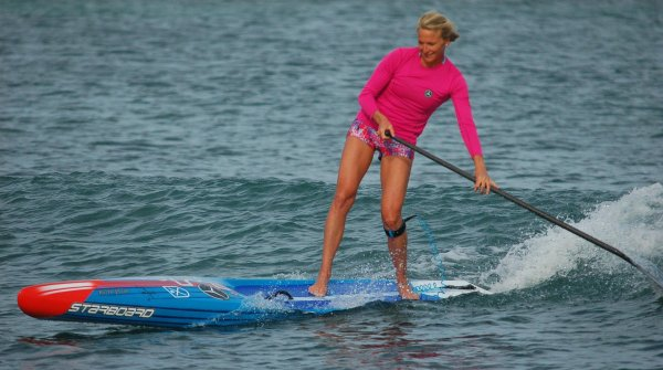 Sonni Hönscheid is a world champion in stand-up paddling.