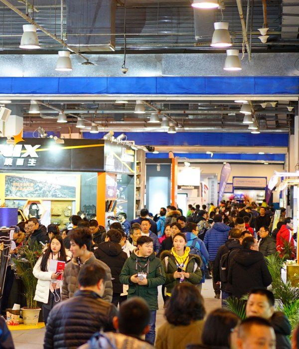 Crowded exhibition halls are self-evident at the ISPO Beijing.