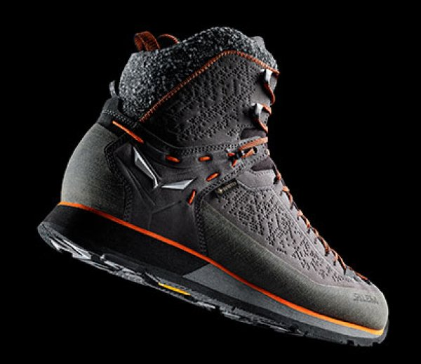 ISPO Award Gold Winner Outdoor Salewa Mountain Trainer 2 Winter Gore-Tex Wanderschuh