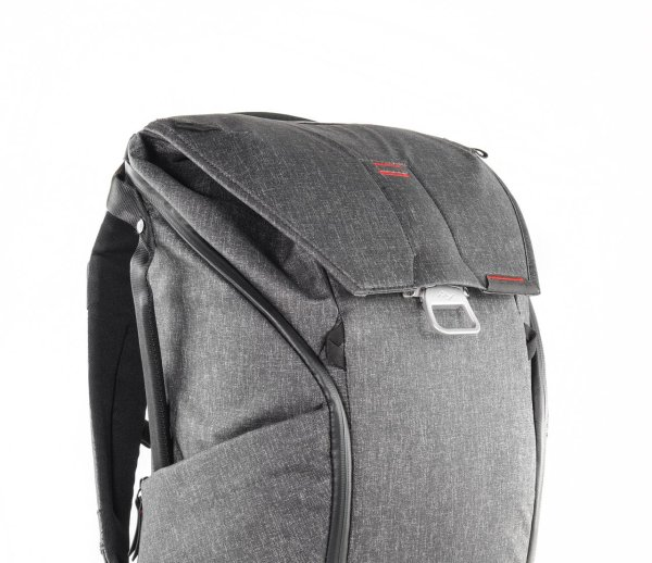 Der Everyday Backpack von Peak Design ist WINNER beim ISPO AWARD 2017 im Segment Outdoor.